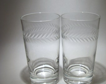 Pair of Laurel Etched Glasses