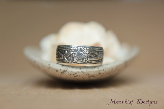 Silver Art Nouveau Flower and Vine Wedding Band - Vintage Style Floral Wedding Band - Wide Flower Anniversary Band - Nature Inspired Band
