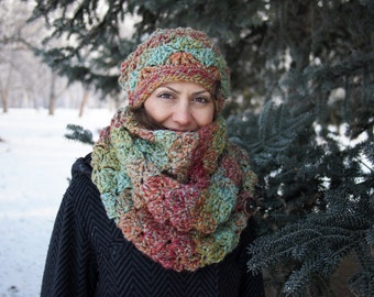 Crochet PATTERN  loop scarf, woman circle bulky scarf, women infinity scarf cowl neckwarmer  DIY photo tutorial Instant download