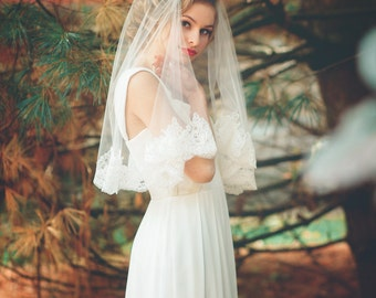 Wedding Veil - Elbow Length Alencon Lace Veil - Short Mantilla Veil - Salvadore