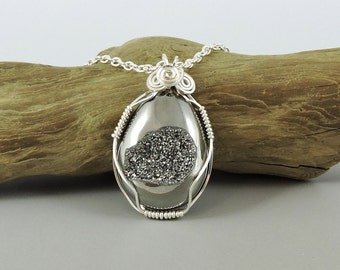 Druzy Necklace, Silver Color Wire Wrapped Titanium Agate Druzy Necklace, Druse Necklace, Wire Wrapped Gemstone Jewelry, Drusy Necklace