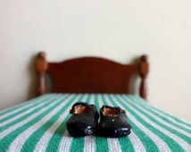 Vintage black leather Mary Jane miniature dollhouse shoes - 1/2 inch