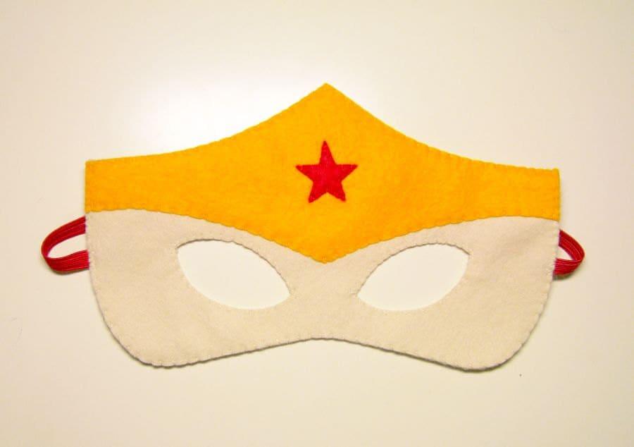 1 Wonderwoman Superhero felt mask Red Vanilla Yellow