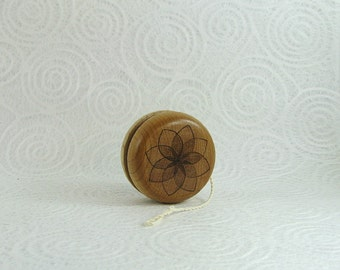Wood Yo-Yo - Geometric Flower - Pyrography - BKInspired