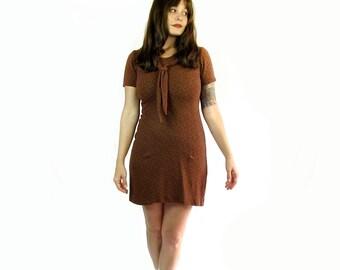 Vintage 1960s Paisley Mini Dress . 60s GoGo Dress . Size Medium