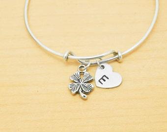 Clover Bangle, Sterling Silver Bangle, Clover Bracelet, Bridesmaid Gift, Personalized Bracelet, Charm Bangle, Monogram, Initial Bracelet