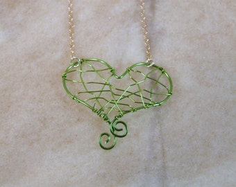 Green Heart Wire Necklace