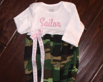 Camouflage Baby Gown, Girl Camo Gown, Personalized Camo Gown, Girls Camo gown and hat