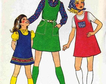 Simplicity 7062 Girls Jumper Pinafore easy pullover with/out pockets/belt Size 8 or 10 uncut sewing pattern
