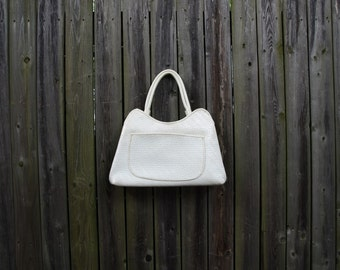 Vintage 60s classic simple white mod space age vinyl purse