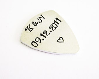 Guitar pick with personalized words, you rock, I pick you, keep rocking, initials and heart, gift ideas for music lovers, engraved plectrum