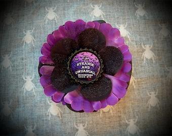 Strange Ouija hair flower