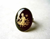 Virgo Zodiac Ring. Vintage Astrology Ring, Adjustable Antique Bronze Ring with Black + Gold Glass Cabochon. September Birthday Gifts