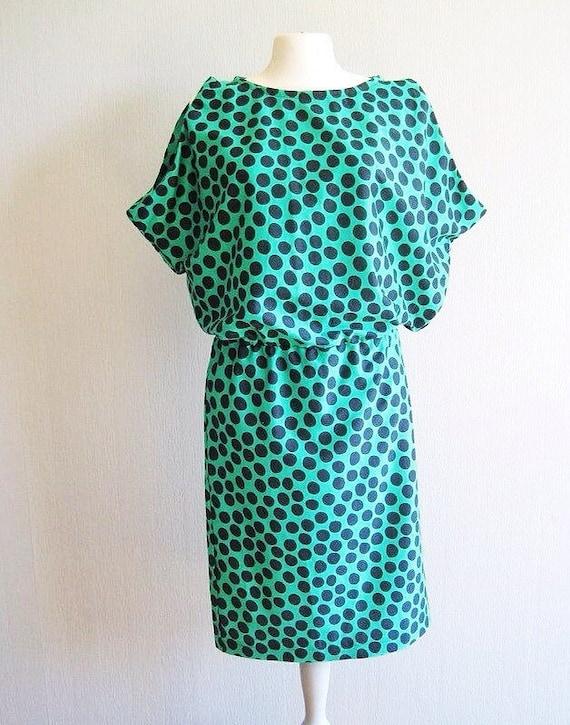 Polka dot dress summer dress woman casual summer dress knee length dress sleeveless green black modern dress