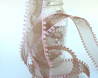 "SALE-1 1/2"" Wired Organza - Sheer Brown with Pink Flower Lace Edging - 5 Yards"