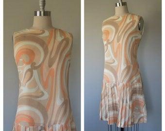 60s mod dress size medium / 60s shift dress