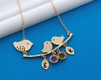Gold lovebirds necklace. Mothers Necklace  with Birthstone and initial - Gold Love Birds Pendant Necklace . Mothers Necklace -Anniversary