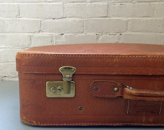 Gorgeous Distressed Soft Leather Suitcase Case Luggage Flexible Handle Industrial Weekend Travel Vintage