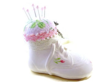 PIN CUSHION PINCUSHION pink roses and white ceramic baby shoe bootie pin cushion sewing room notion rdt tenx huot