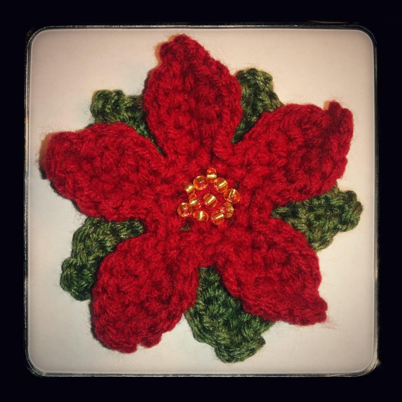 Crochet Xmas Flower Pattern : Free Christmas Poinsettia Flower Crochet Pattern