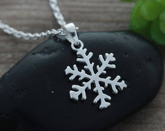 Sterling silver Snow flake necklace, Silver Snowflake, Choose chain, Let it Snow. Snow Flake Jewellery. CHPL0198_1