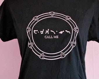Stargate SG1 geeky pink chevron print - girly sci-fi goa'uld nerdy girlfriend T-shirt