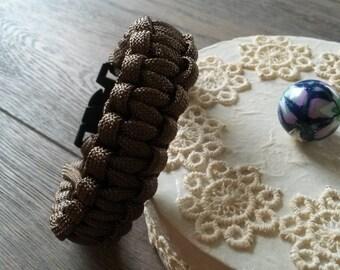 Brown paracord bracelet