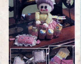 Simplicity 6696 Pattern Sewing Accessories - Sewing Doll, Pin Cushion And Sewing Case