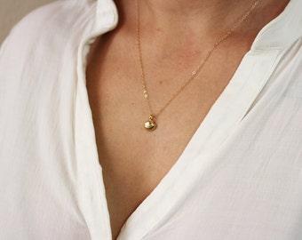 Seashell Jewelry / Tiny Sea Shell Necklace / Seashell Charm Necklace