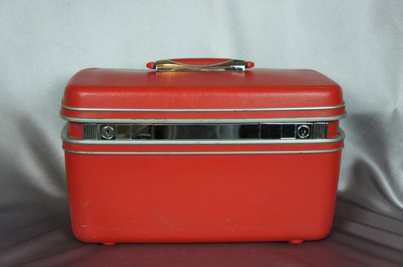 red train case samsonite silhouette hard shell suitcase. Black Bedroom Furniture Sets. Home Design Ideas
