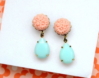 Earrings mint and apricot color