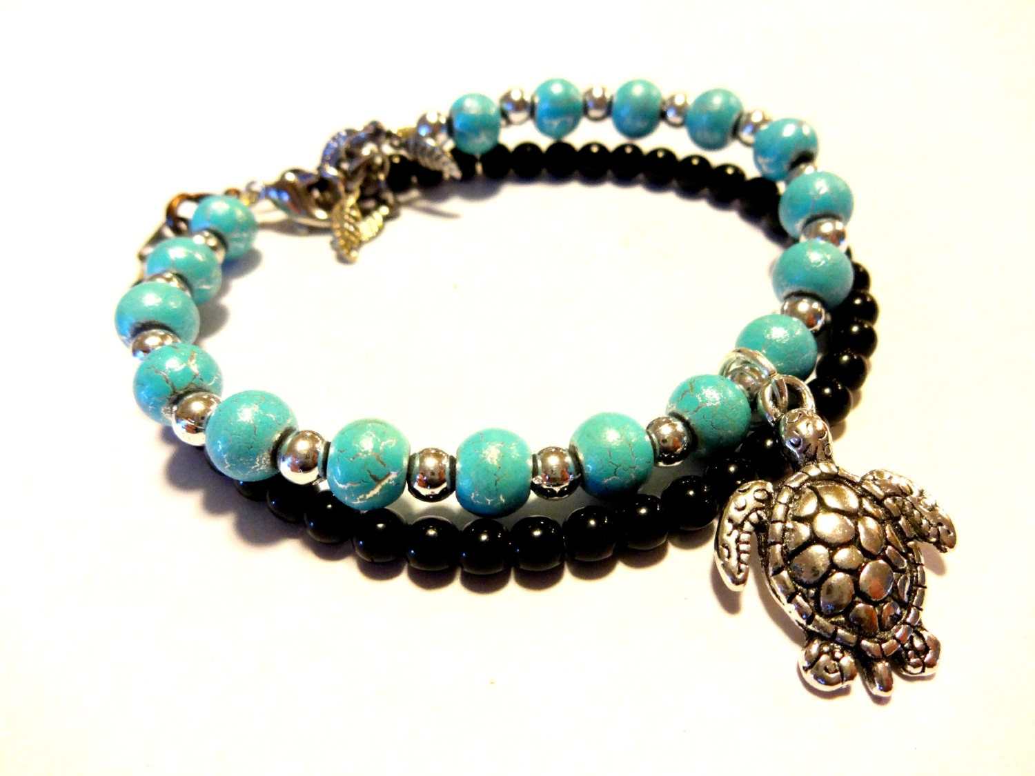 sea turtle charm bracelet turquoise blue beaded by yourstrulli