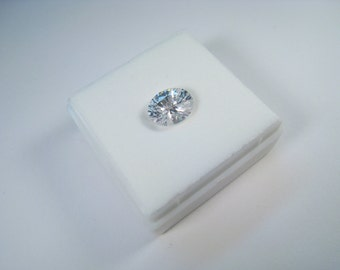 3.00 CT 10 mm x 8 mm x 5 mm Oval Specialty-Cut White Cubic Zirconia