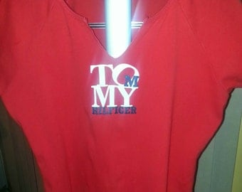 Tommy Hilfiger Shirt  Women's X Large Spell Out Tommy Hilfiger on front, Sporty