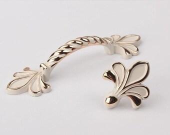 Captivating Fleur De Lis Dresser Knobs Drawer Pulls Handles Knobs White Cream Gold /  Shabby Chic Kitchen Cabinet Handle Pull Knob Hardware