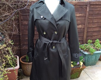 Vintage UK14 US10 EU42  trenchcoat olive green sateen.