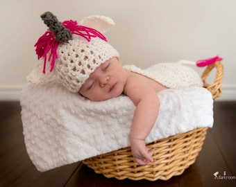 Crochet Baby Hat, Baby Unicorn Hat, Baby Shower Gift, Photography Prop, Baby Unicorn, Coming Home Outfit, Baby Animal Hat, Novelty Hat