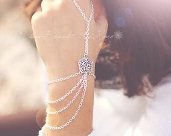 Bracelet Slave Bracelet hand piece silver chain flower pattern Bohemian Boho Chic Boheme Hippie Vintage Hand Body jewelry