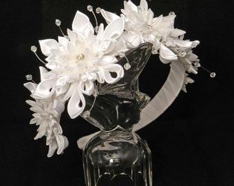 "Tsumami Kanzashi flowers headband ""Waltz of the Snowflakes"""