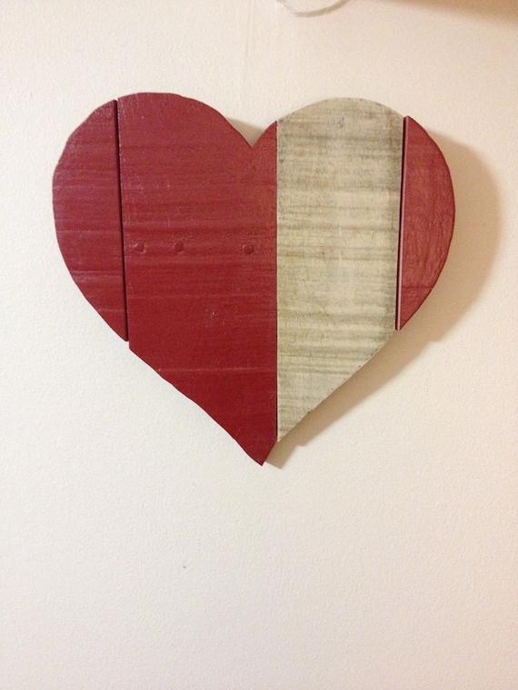 Coeur rouge bois de palette coeur en bois rustique tenture for Coeur en bois flotte