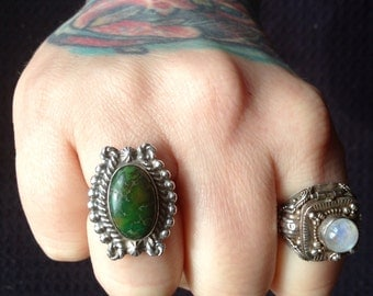 Vintage Native American green Carico Lake Turquoise + Sterling Silver Ring Size 8
