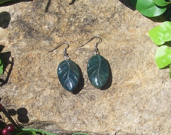 Stone Forest Leaf Earrings - Genuine Agate Bead - Green Leaf - Natural Beauty
