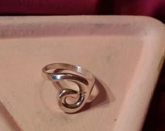 Cute Vintage Sterling Silver Swirl Ring