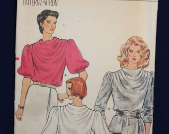 Vintage Sewing Pattern Vogue 8747 for a Woman's Blouse in Size 12