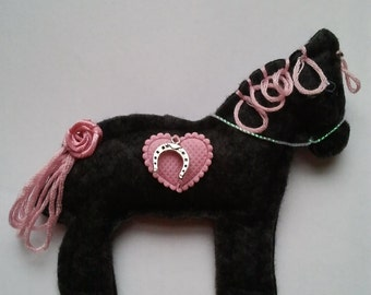Handmade Felt Horse, pony, equine brooch