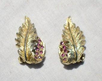 Vintage Gold Tone Amethyst Rhinestone Leaf Clip Earrings