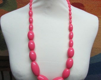1960s large pink acrylic beaded necklace