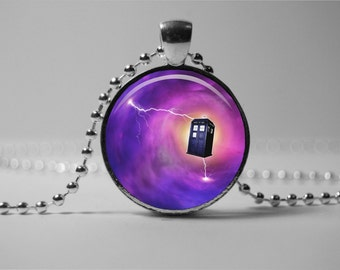 Doctor Who PENDANT, TARDIS Pendant, Doctor Who necklace, Doctor Who  jewelry