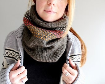 womens knit cowl in CONFETTI - forest mist heather - vegan friendly
