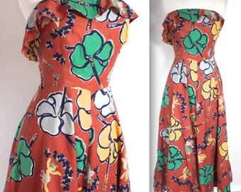 SALE Rare Vintage 1940s Dress // 40s Tropical Tiki Hawaiian Floral Auburn Dress with Hula Girl Novelty Print // Moon Over Miami // DIVINE